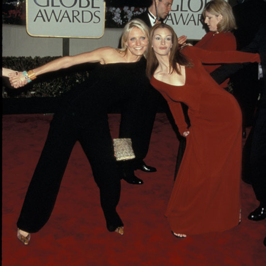 Cameron Diaz and Julia Roberts goofed around on the red carpet in 2000.