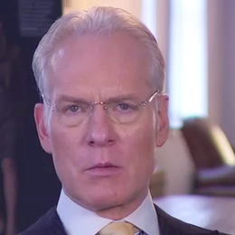 Tim Gunn's Tips For Dressing the Postpartum Figure
