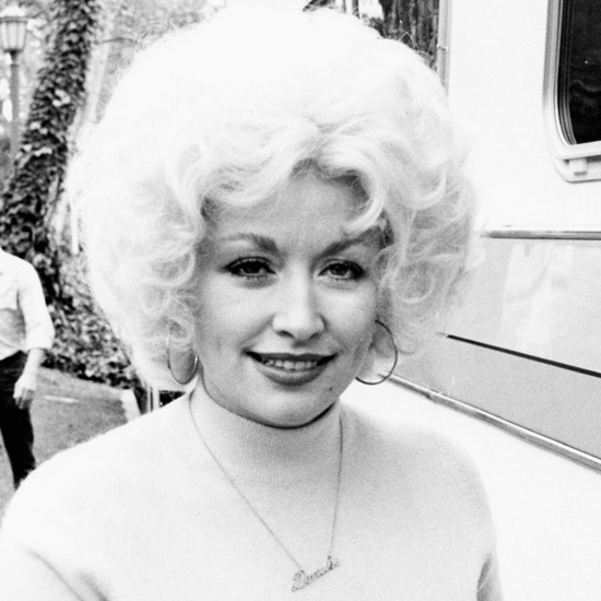 Dolly had an an iconic hairstyle while on set in 1980.