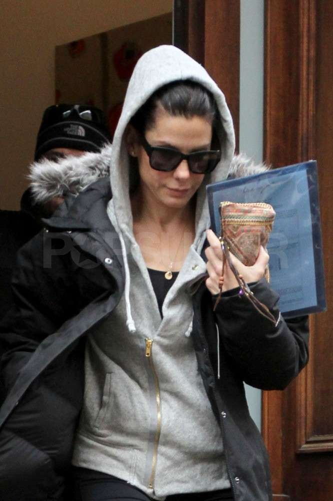 Sandra Looks Workout Ready After Reuniting With Louis in NYC