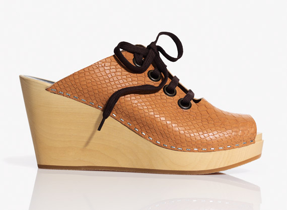 Swedish Hasbeens Teams Up With H&M For Exclusive Spring Clog Collection!