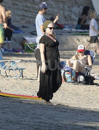 Pregnant Pink Sticks Her Toes in the Sand and Gets Sweet Messages From Carey