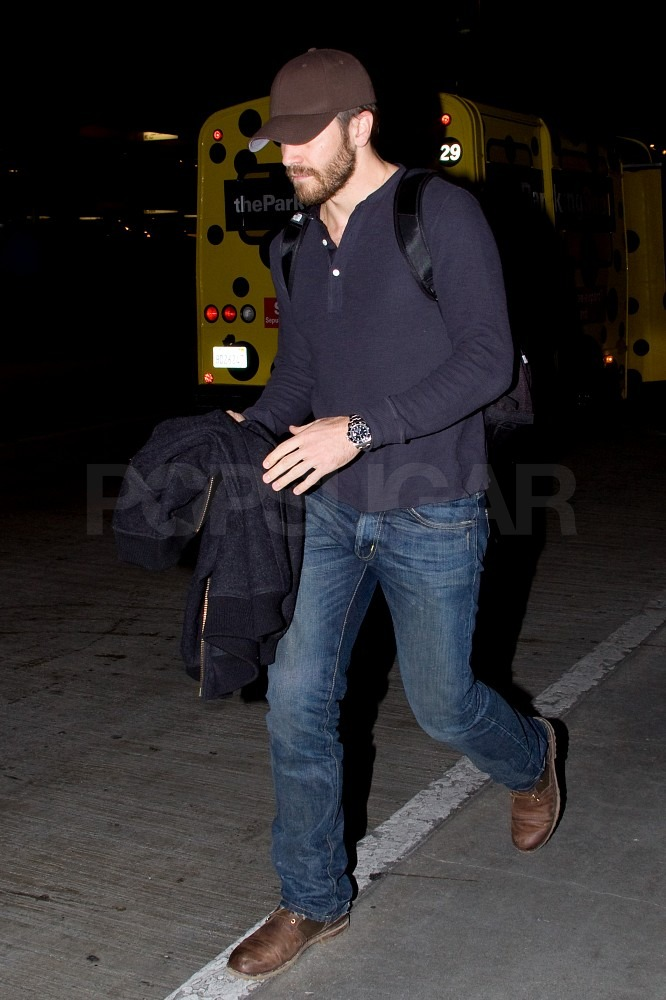 Jake Gyllenhaal Returns to LA as He Balances His Exes