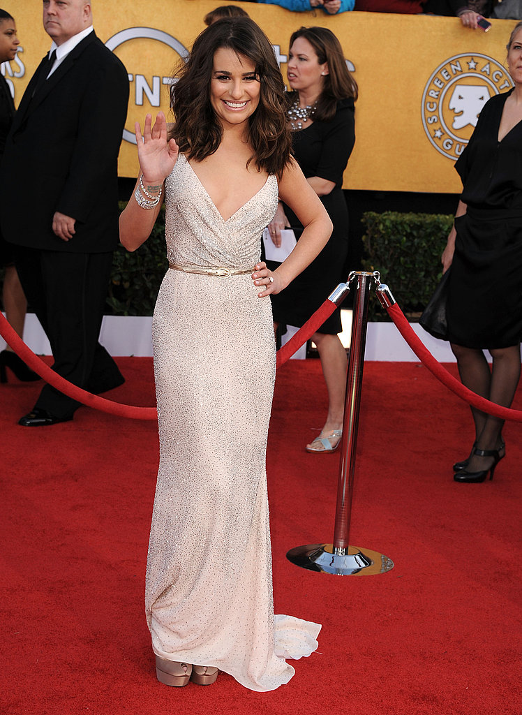 Lea Michele Picks an Oscar For Her SAG Entrance!