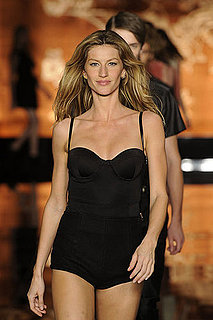 Pictures of Gisele Bundchen in a Swimsuit at Colcci Runway Show in Brazil 2011-01-30 21:25:00
