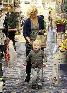Pictures of Amy Poehler and Archie Arnett Toy Shopping in Beverly Hills