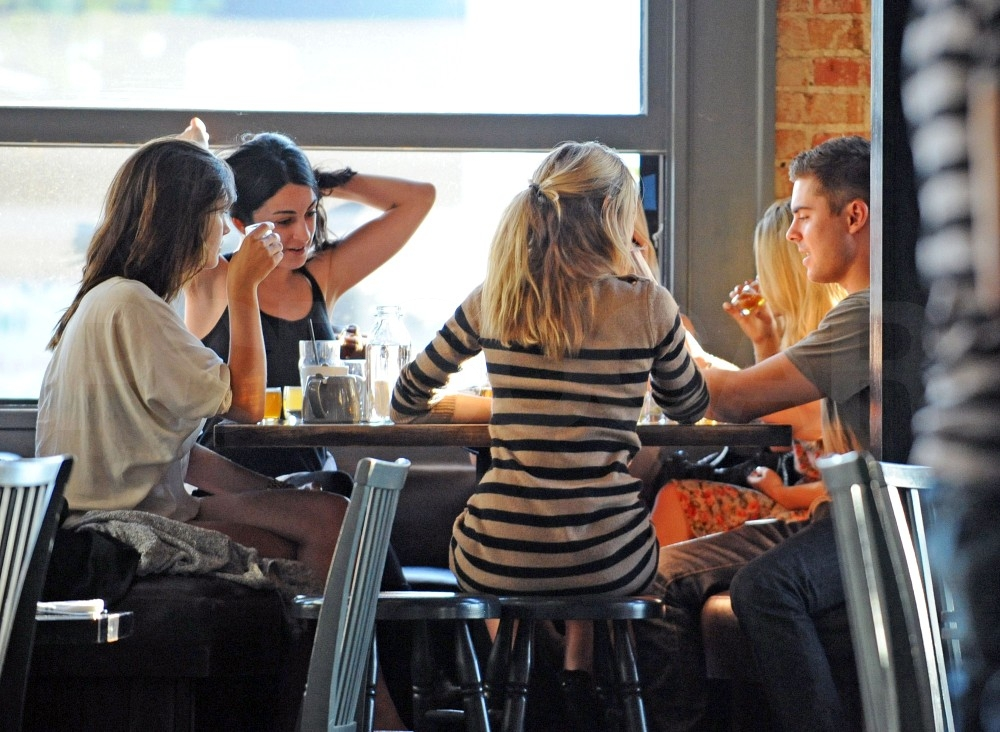 Zac Efron Has a Lunch Date With a Couple of Ladies