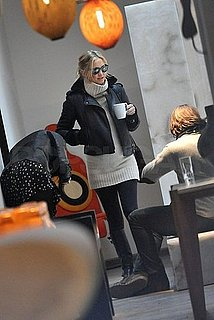 Pictures of Pregnant Kate Hudson Walking in Paris