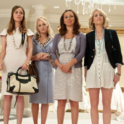 Bridesmaids Trailer Starring Kristen Wiig and Maya Rudolph