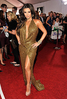 Pictures of Kim Kardashian on the Red Carpet at the 2011 Grammy Awards 2011-02-13 16:56:24