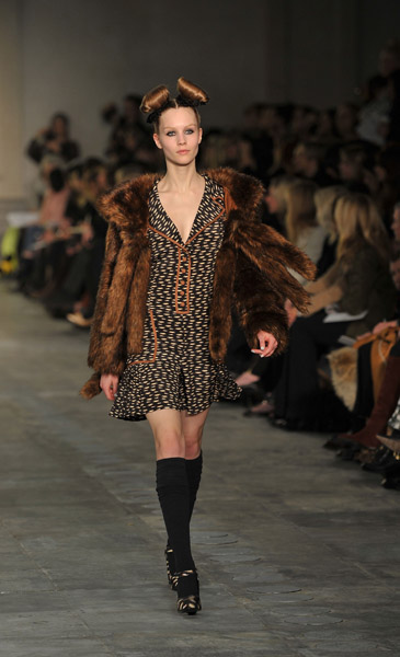 2011 Autumn London Fashion Week: Topshop Unique