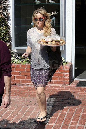 Kate Hudson and Matthew Bellamy Pick Up Sweet Treats Together