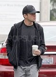 Ryan Phillippe Goes Casual and Gets Caffeinated