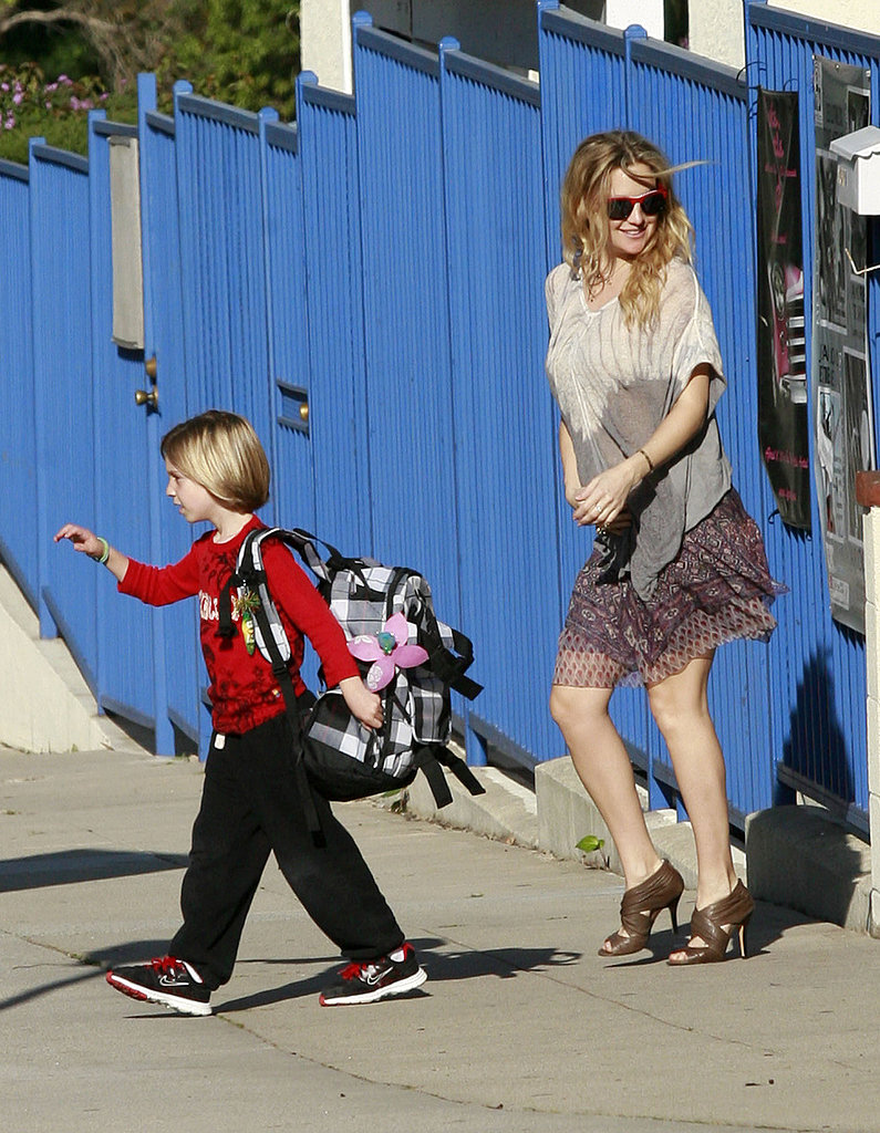 Kate Hudson Holds Onto Her Baby Bump During the School Run With Ryder