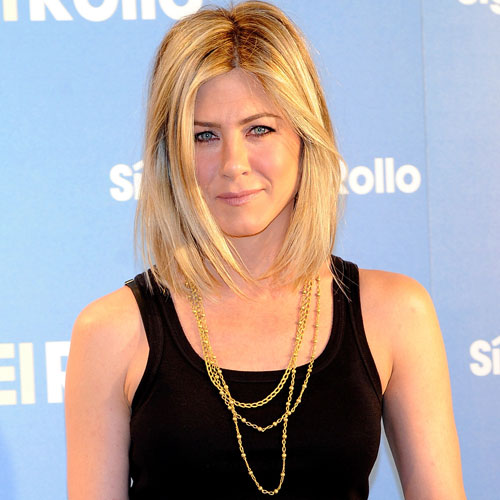 Jennifer Aniston Cuts Her Hair