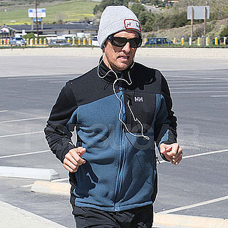 Pictures of Matthew McConaughey Working Out in Malibu 2011-03-02 12:25:51