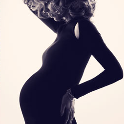 Pictures of Eva Herzigova as Harper's Bazaar UK's First Ever Pregnant Cover Star
