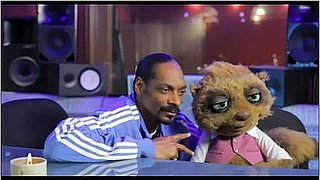 Snoop Dogg Stars in an Ad For Air New Zealand With Puppets!