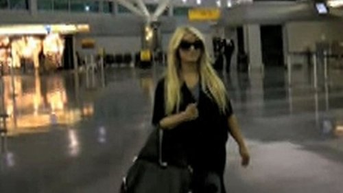 Video of Jessica Simpson Arriving at JFK