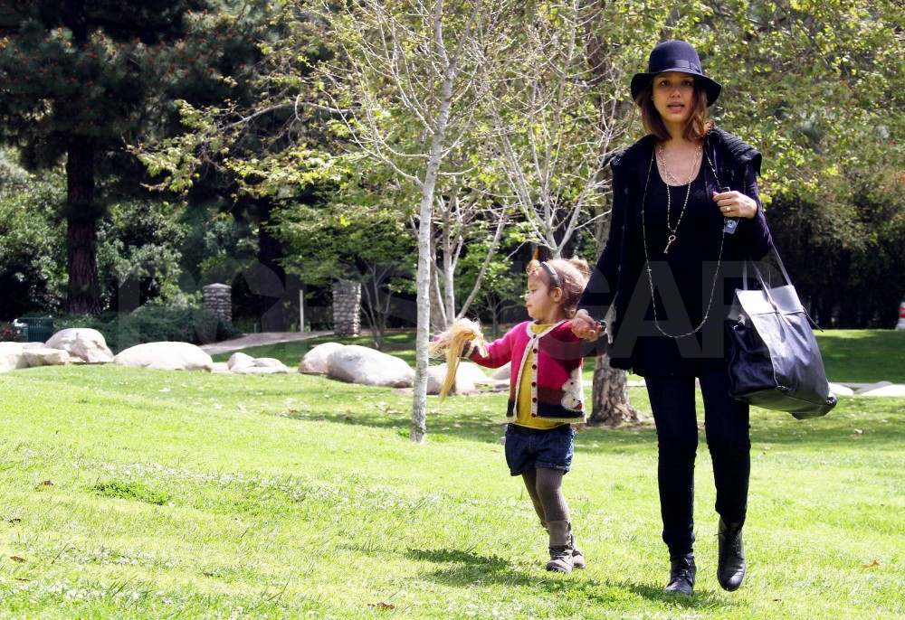Jessica Alba Puts Her Bump on Display For a Park Day With Honor