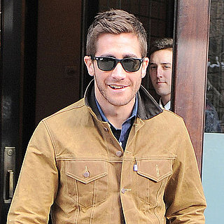 Pictures of Jake Gyllenhaal Leaving His NYC Hotel on a Windy Day