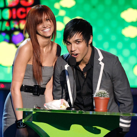 In 2008 Ashlee Simpson and Pete Wentz took the stage together to present an award.