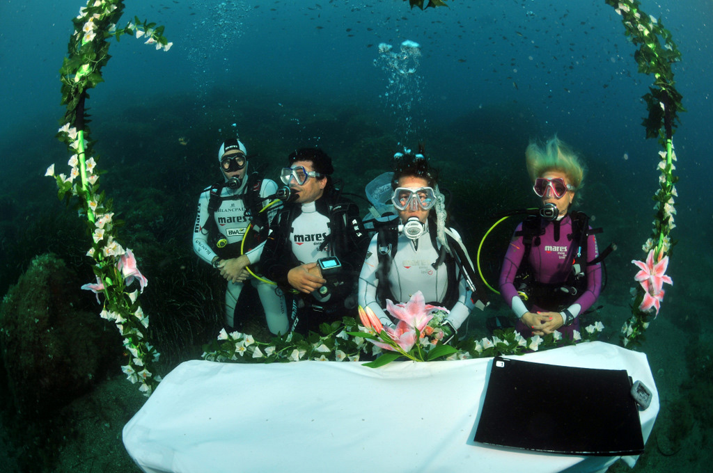 Largest Wedding Underwater