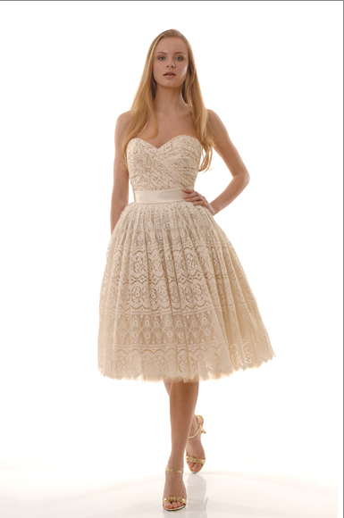We love the natural cotton dresses from The Cotton Bride, and this one has a feminine, '50s vibe.
