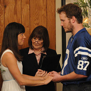 April and Andy Get Married on Parks and Recreation