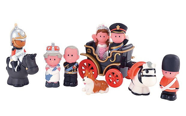 HappyLand Royal Wedding Set ($20)