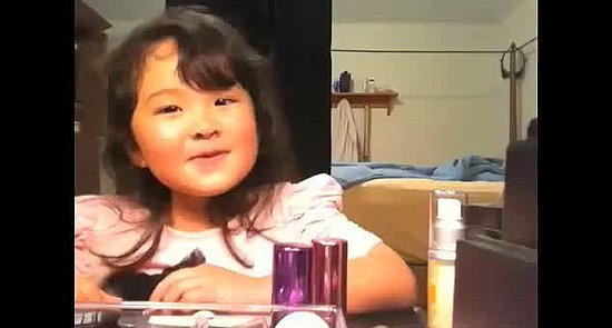 "What Do You Think of a 5-Year-Old ""Makeup Guru""?"