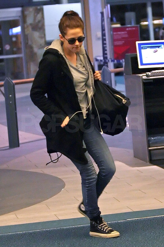 Kristen Stewart Takes Off From Breaking Dawn in Vancouver One Last Time!