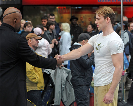 First Look at Chris Evans and Samuel L. Jackson Filming The Avengers!