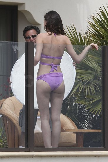Miranda Kerr Got Her Bikini Posing in Ahead of Orlando's Tribeca Debut