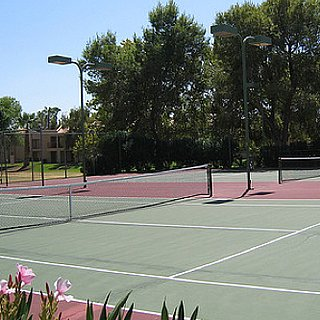 How to Find Public Pools and Tennis Courts in Your Neighborhood