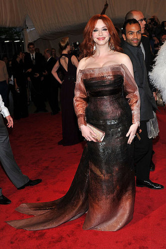 Christina Hendricks in Carolina Herrera