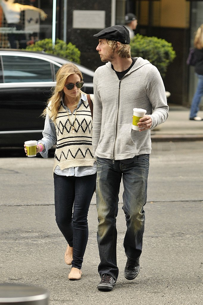 Kristen Bell and Dax Shepard Stick Together For More Manhattan Fun