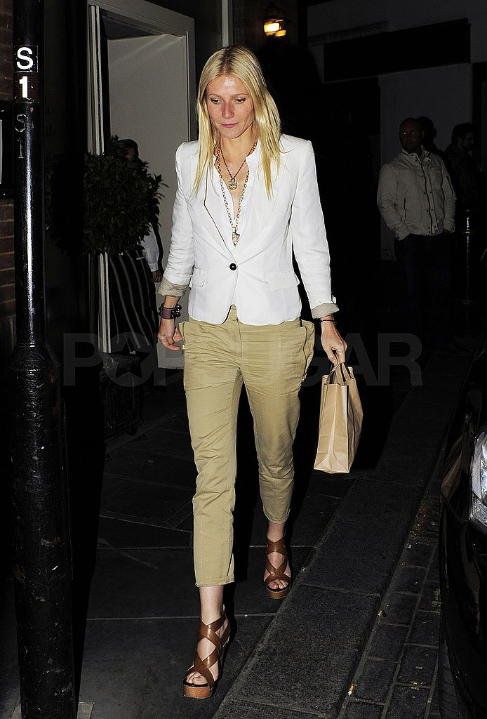 Gwyneth paltrow eating dinner at la petite maison in for Maison london