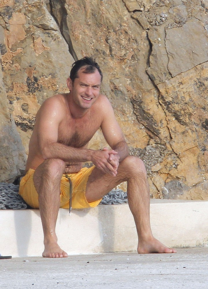 Jude Law Celebrates the End of Cannes With a Shirtless Dip!