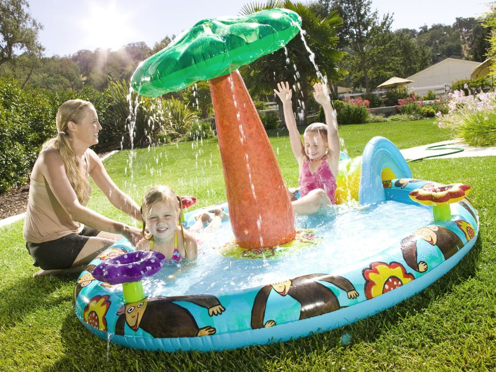 Emily Green Monkey Daisy Wading Pool ($25)