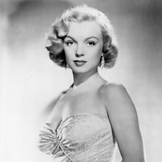 See Marilyn Monroe's Beauty Evolution