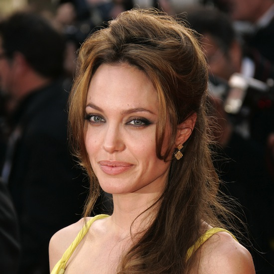 Angelina's half-up, half-down coiffure looked gorgeous on the red carpet at Cannes in 2007, complementing her buttery yellow gown perfectly.