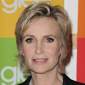Jane Lynch to Host the 2011 Emmys