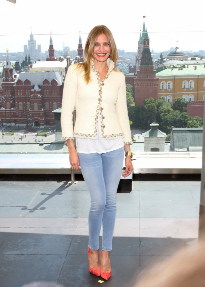 Cameron Diaz Poses Pretty For Bad Teacher in Moscow