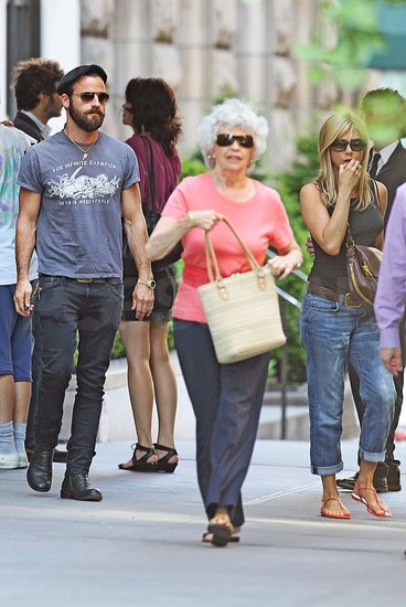 Jennifer Aniston and Justin Theroux Step Out in NYC With Matching Rings