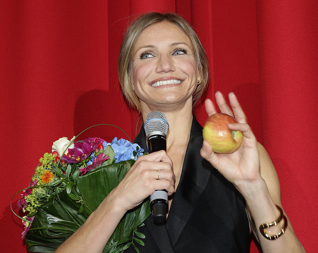 Cameron Diaz Gets Supersexy in a Black Jumpsuit For Bad Teacher