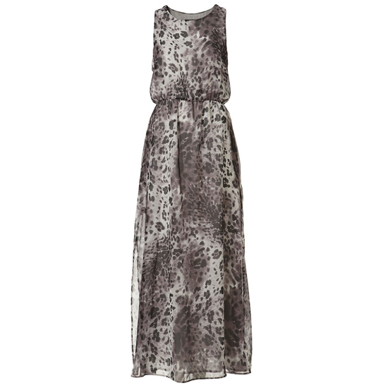 >> Crisp white and bold black accessories add a graphic element to this soft animal print. Petite Grey Animal Print Side Slit Maxi Dress , $100 Looks chic with: