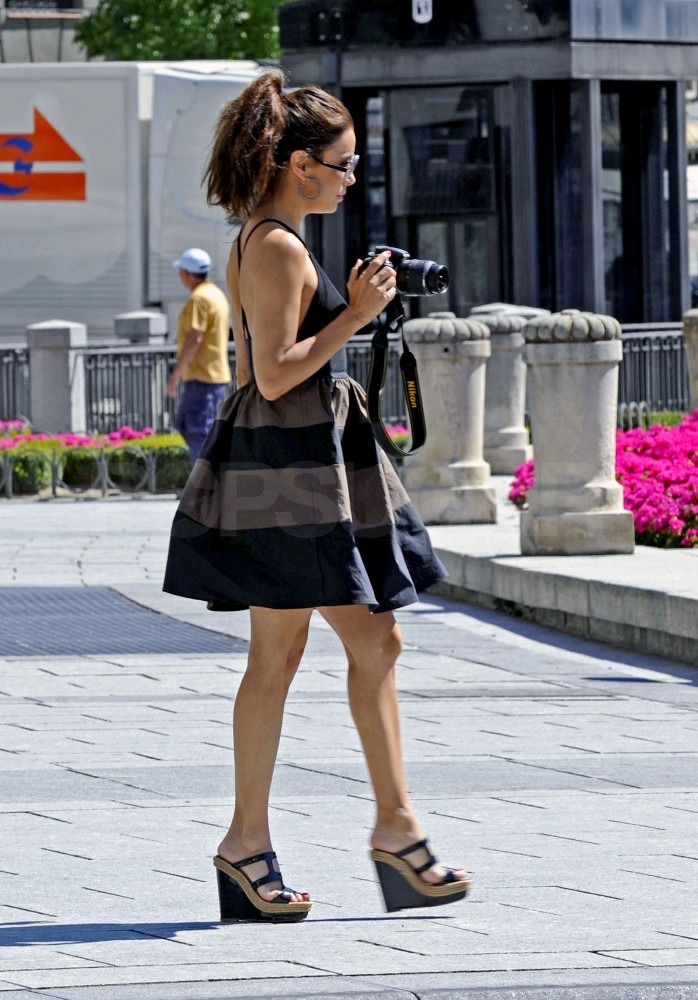 Eva Longoria snapped a few photos during her stay in Madrid.