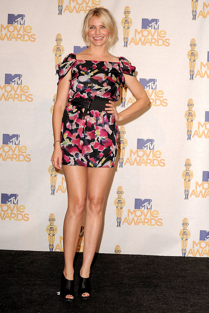 A fun print gets a supersexy jolt with a micomini-length at the 2010 MTV Movie Awards.