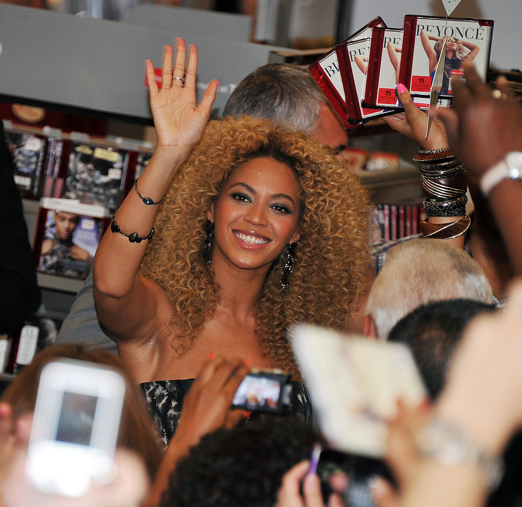 Beyoncé Knowles waved to fans at a Target in East Harlem.